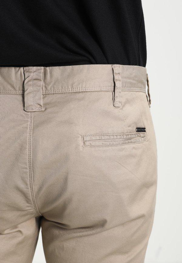 Bruun & Stengade FLASH - Chinosy - beige/beżowy Odzież Męska MBSS