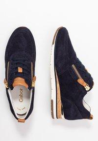 Gabor - Sneakers laag - bluette/cognac - 8