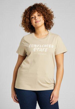 EASY GRAPHIC - T-shirt z nadrukiem - service sand