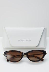 Michael Kors - Solbriller - dark tortouise - 2