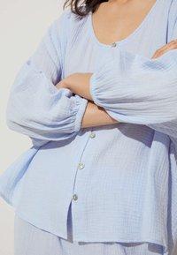 OYSHO - Pyjama top - light blue - 2