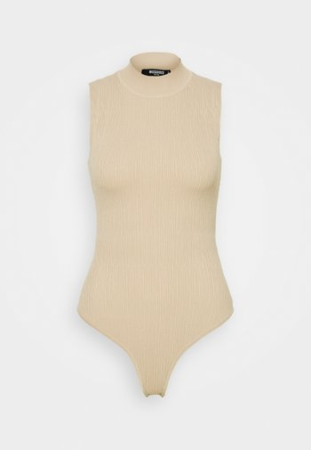 TEXTURED CUT OUT BACK BODYSUIT