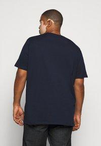 Jack & Jones - JORBRAD  - T-shirt print - navy blazer - 2