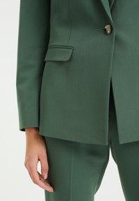 WE Fashion - Blazer - moss green - 4