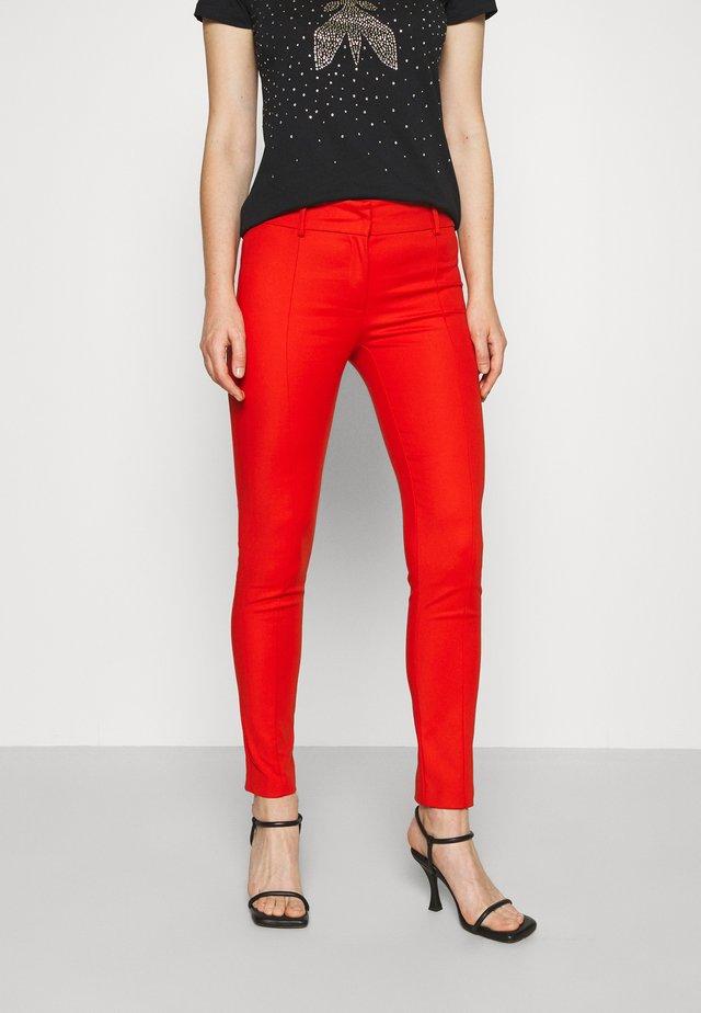 PANTS - Spodnie materiałowe - scala red