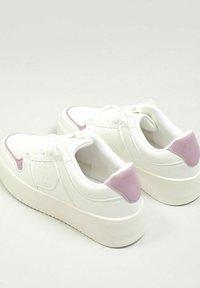 Pimkie - Sneakersy niskie - altweiß - 1