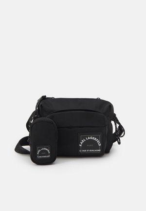 CROSSBODY SET - Across body bag - black