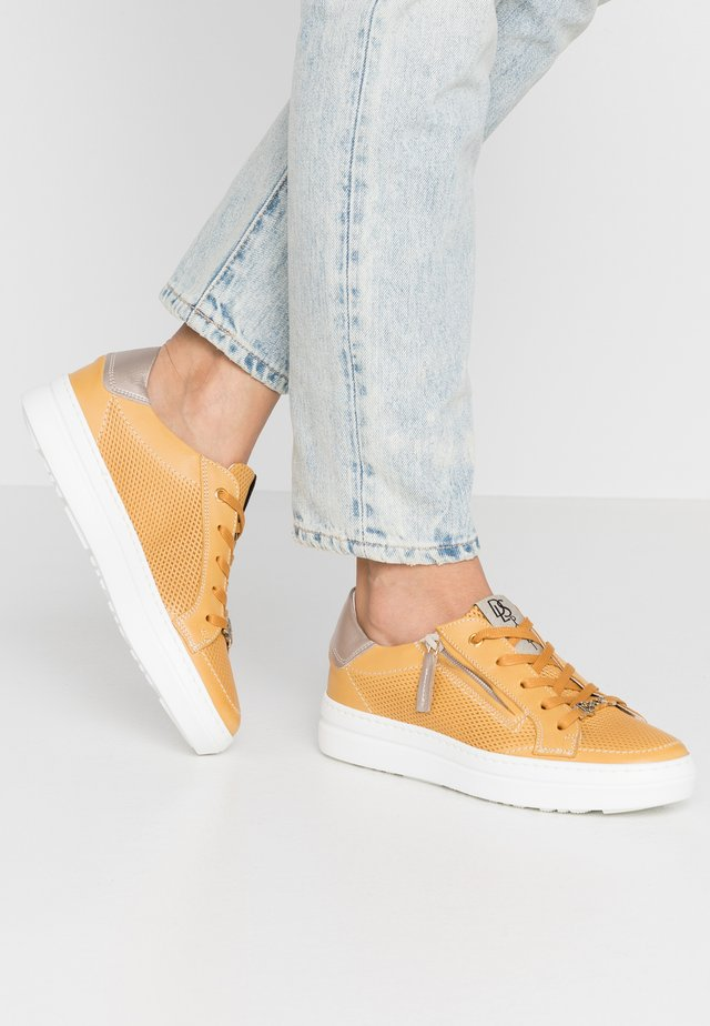 Sneakers basse - giallo