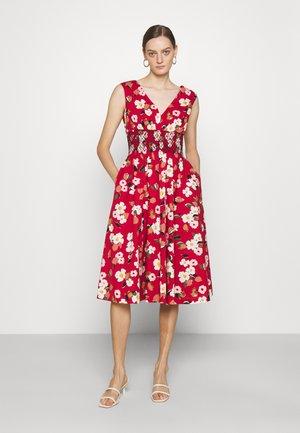 BOTANICAL GARDEN POPLIN DRESS - Denní šaty - lava falls