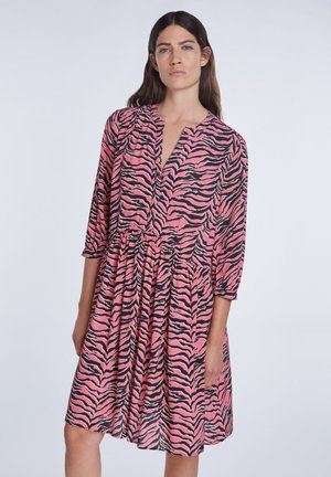 MIT ZEBRA-PRINT - Day dress - pink grey