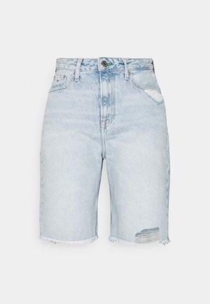 HARPER DENIM BERMUDA - Jeansshorts - light blue denim