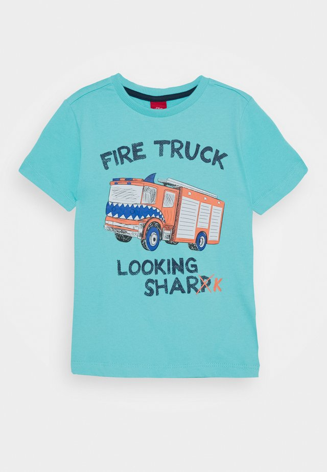 T-shirts med print - türkisblau