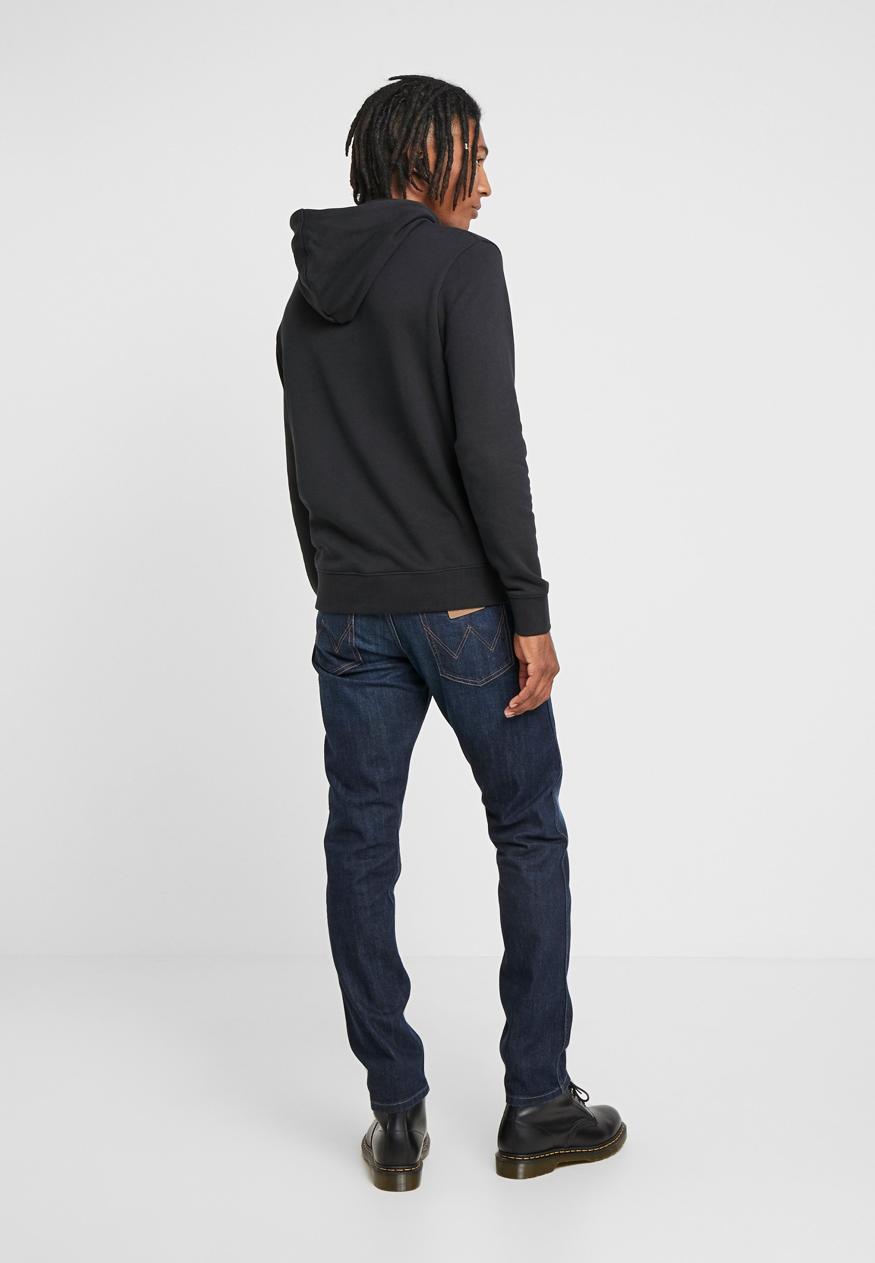 Wrangler 11mwz - Jeansy Slim Fit Dark Icon