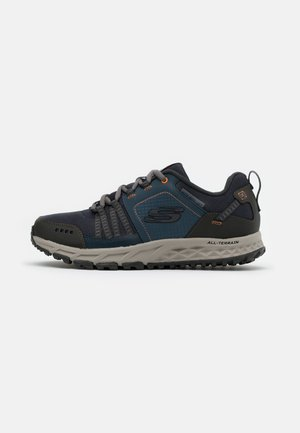 ESCAPE PLAN - Trainers - navy/orange