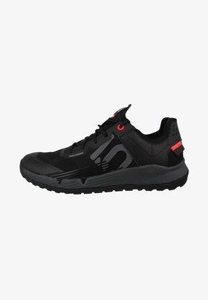Hiking shoes - core black
