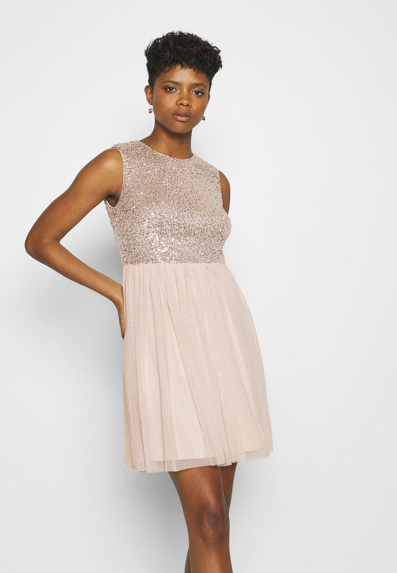 Vero Moda - VMMADDIE SHORT DRESS - Vestido de cóctel - off white