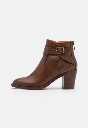 TRIALMASTER - Kotníková obuv - cognac