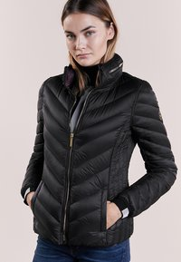 MICHAEL Michael Kors - SHORT PACKABLE PUFFER - Chaqueta de plumas - black - 0