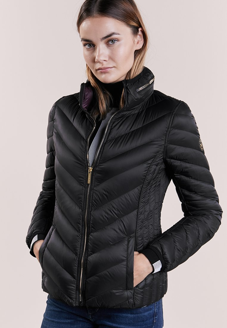 MICHAEL Michael Kors - SHORT PACKABLE PUFFER - Chaqueta de plumas - black