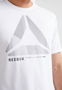 Reebok - OST ACTIVCHILL MOVE TEE - Print T-shirt - white - 6
