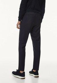 Massimo Dutti - CASUAL FIT - Trousers - dark blue - 1