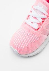 adidas Originals - SWIFT RUN  - Trainers - shock red/footwear white - 5