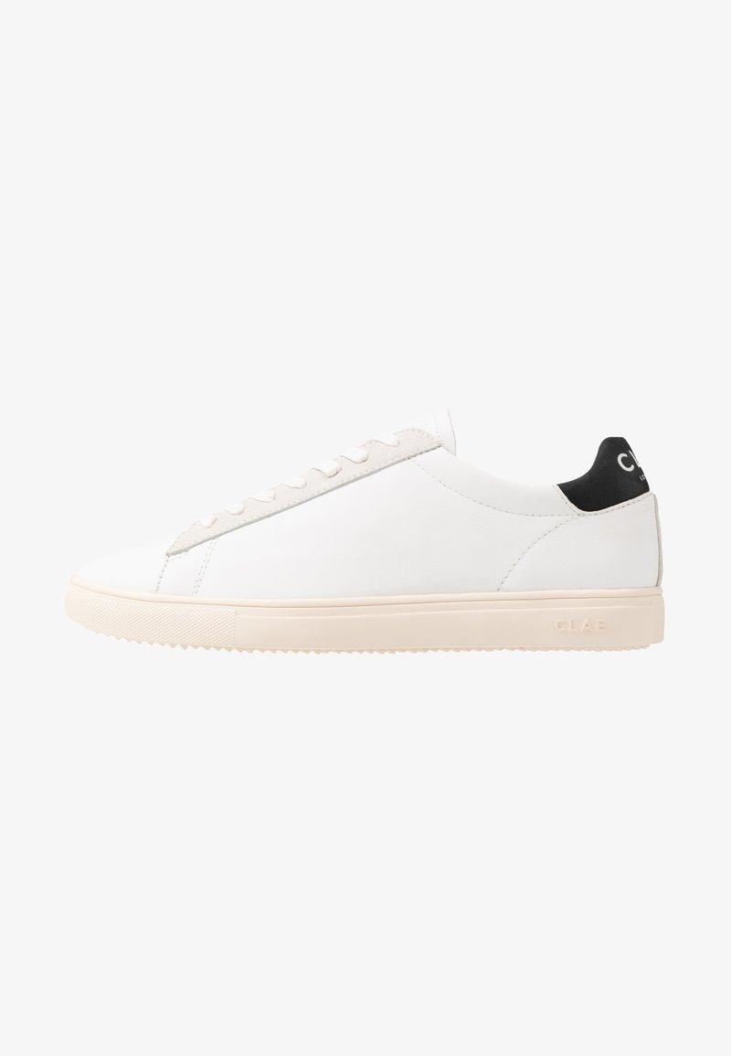 Clae - BRADLEY - Trainers - white/black
