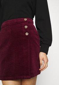 Dorothy Perkins - WRAP BUTTON SKIRT - Mini skirt - purple - 4