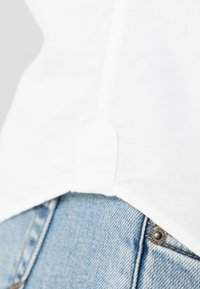 Scalpers - Camisa - white - 4