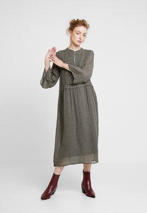 PEARLE - Maxi šaty - green