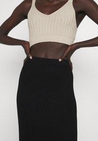 Filippa K - OLIVIA SKIRT - Pouzdrová sukně - black - 4
