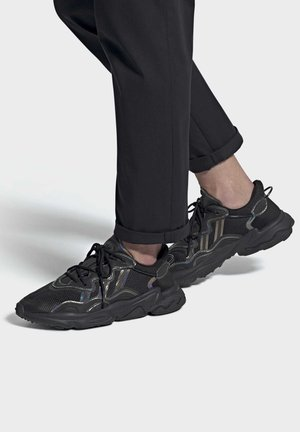 OZWEEGO - Trainers - black