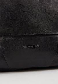 FREDsBRUDER - OH CROWNY - Across body bag - black - 6