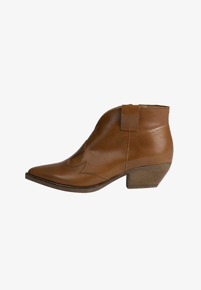 IMANI - Ankle boots - cognac