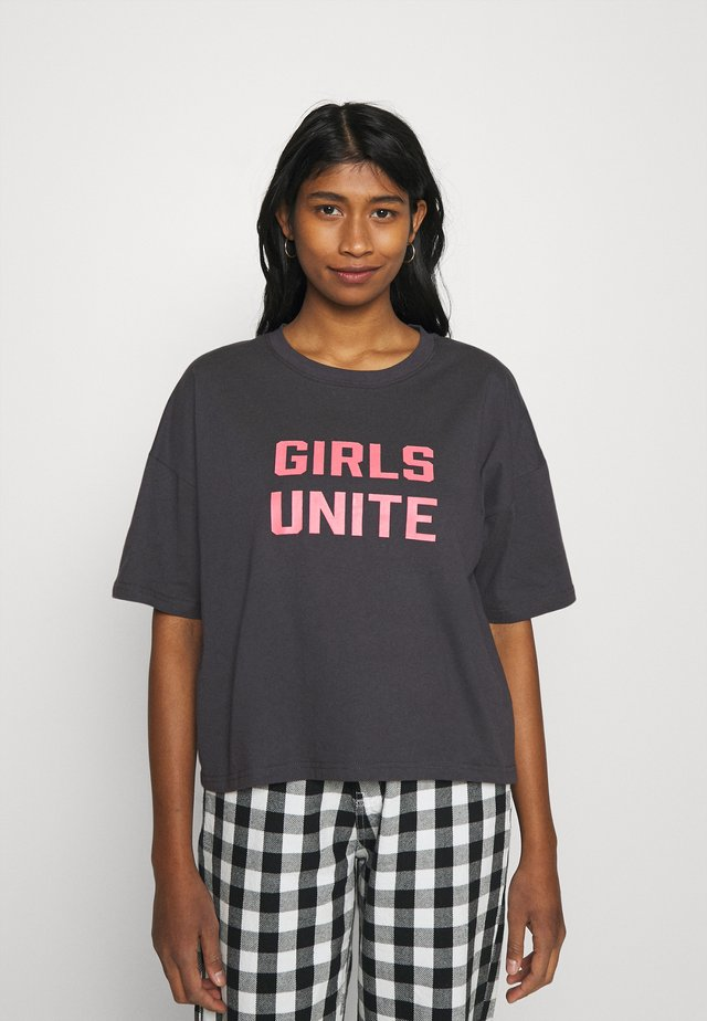 NMAMY UNITE - T-shirt con stampa - obsidian