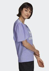 adidas Originals - Print T-shirt - light purple - 2