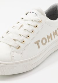 Tommy Hilfiger - Sneakers laag - white/platinum - 5