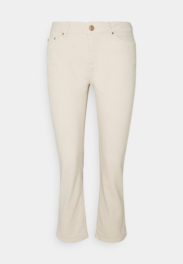 PCDELLY KICK - Flared jeans - birch