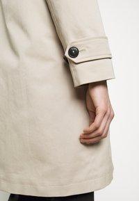 CLOSED - LALO - Klasický kabát - resin - 5