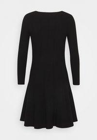Pinko - LIBERIA DRESS - Pletené šaty - nero - 1
