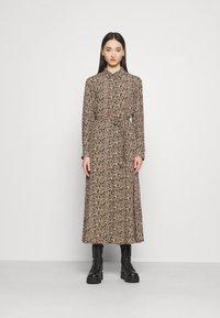 Vero Moda - VMJORDIN DRESS - Košilové šaty - ivy green - 0