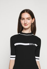 KARL LAGERFELD - DRESS LOGO - Pletené šaty - black/white - 4