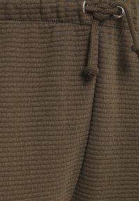 Missguided Plus - JOGGER - Cargo trousers - khaki - 2