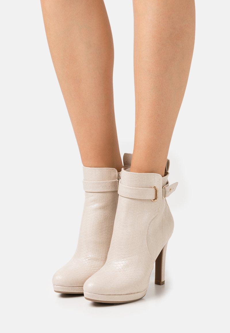 Buffalo - VEGAN AUDRINA - High heeled ankle boots - nude