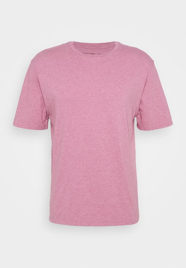 ROAD TO REGENERATIVE LIGHTWEIGHT TEE - Camiseta básica - marble pink