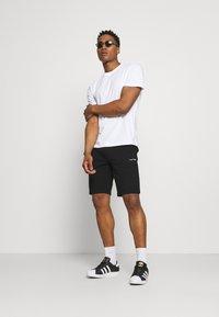 Calvin Klein - SMALL LOGO - Shorts - black - 1