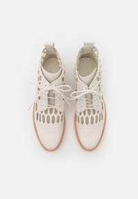 Melvin & Hamilton - SELINA 51 - Lace-up ankle boots - white/natural/offwhite - 5