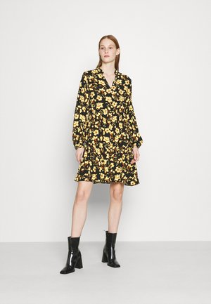 VILANA DRESS - Kjole - black/yellow