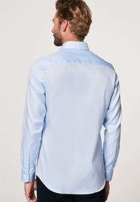 PROFUOMO - SLIM FIT - Formal shirt - licht blauw - 1