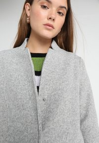Vero Moda - VMKATRINE - Manteau court - light grey melange - 3